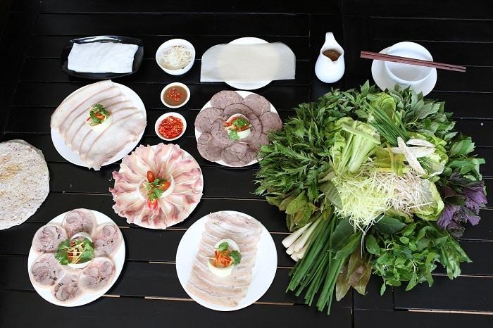Bánh Tráng Cuốn Thịt Heo Ở Sài Gòn